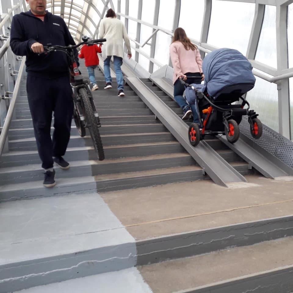 """Пешеходный мост в """"Сокольники"""" из Алексеевского района"""