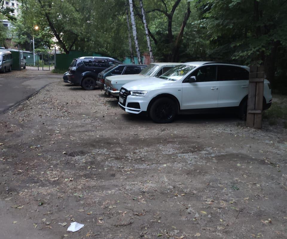 Новые парковочные места появятся на 1-Рижском переулке
